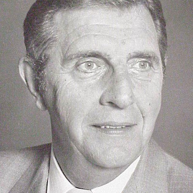 1990 Russell Miller